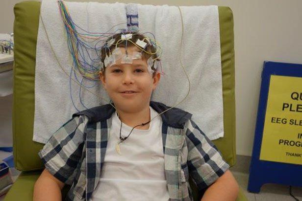 eeg-electrodes-smiling