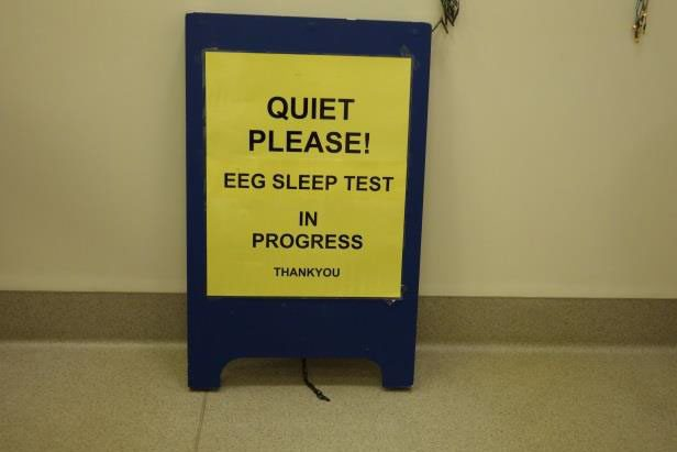 quiet-please-eeg-in-progress-sign